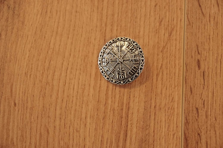 "Broche  "" Celtic chaos drietand """