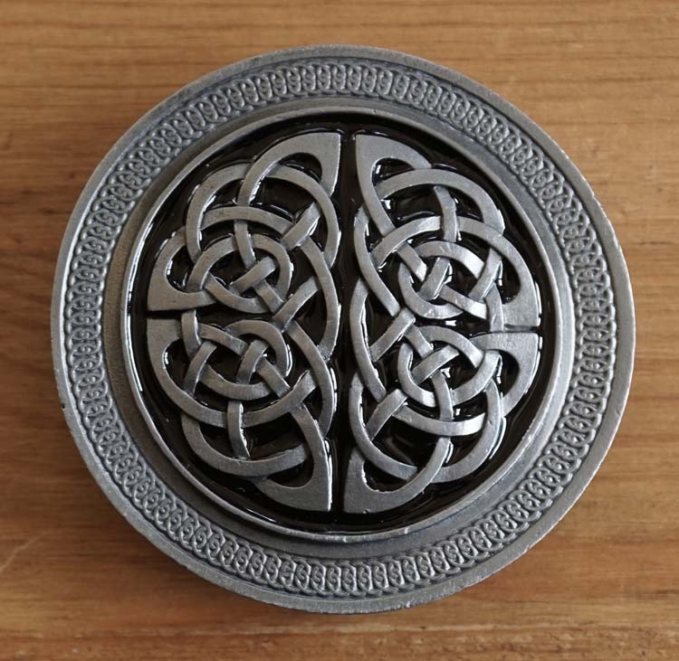 "Buckle / gesp  "" Two celtic knots """